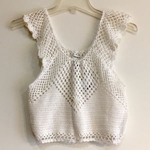 NWT. CROCHET TOP SIZE SP.